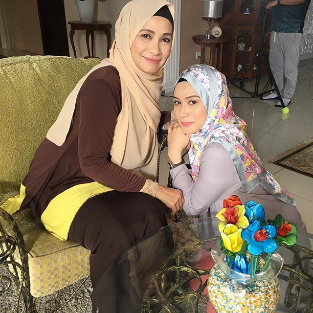 Watak Ibu Dan Anak Lakonan Niena Baharun Dan Aida Khalida