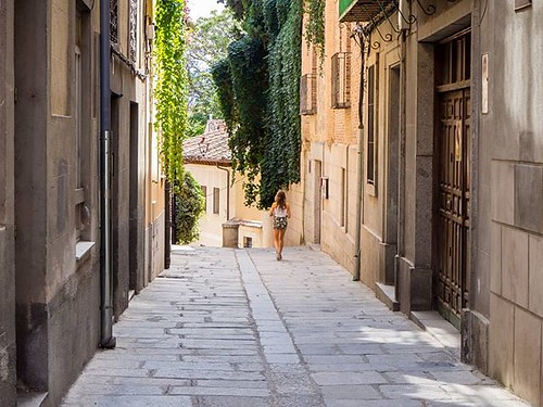 Una calle de Segovia. #streetphoto #streetphotography #olympus #segovia #summer2017