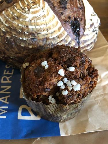Mantras Bread パネトーネブレッドプディングとチョコレートチェリー