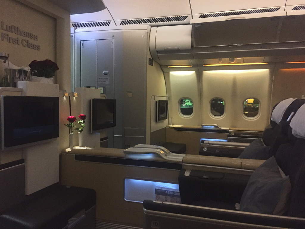 Lufthansa Flight Luanda Frankfurt, First Class https://www.lufthansa.com/de/de/Lufthansa-First-Class