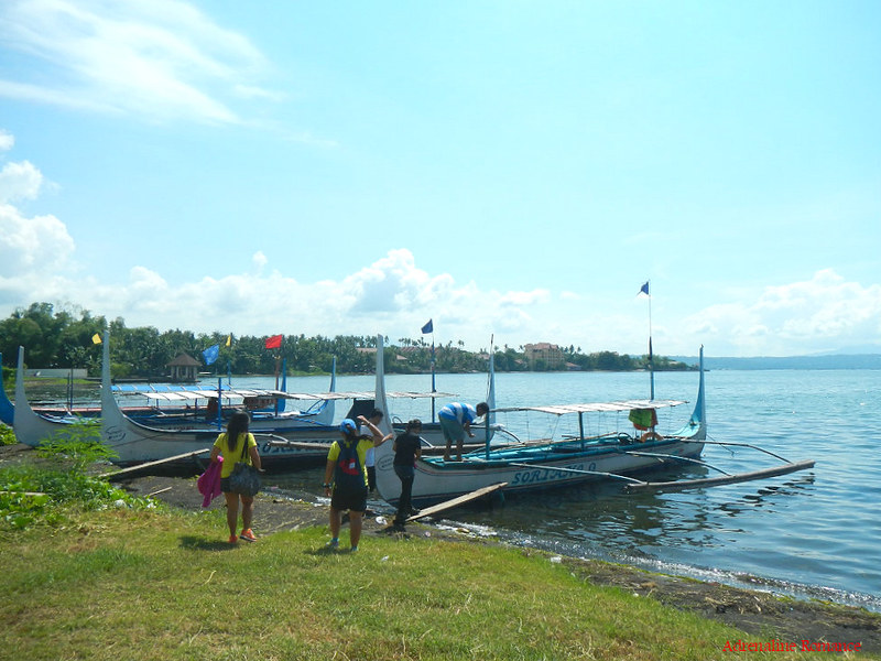 Pumpboats to Volcano Island