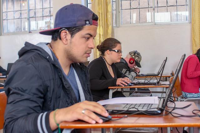 Toma de Examen Ser Bachiller a personas con discapacidad en la Unidad Educativa Patrimonio de la Humanidad