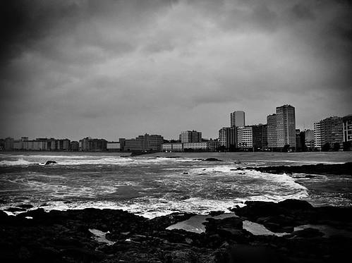 Riazor. En blanco y negro. #instablackandwhite #olympus #Coruña #photography #b&w #february #wavesb#sea