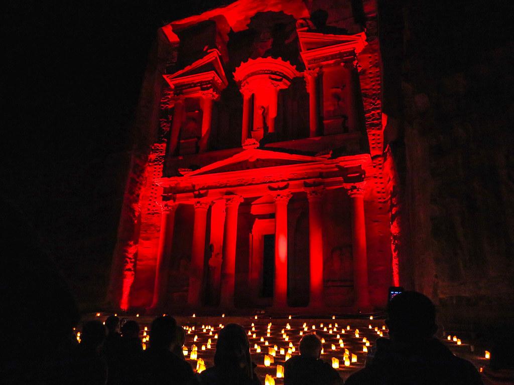 Espectáculo nocturno en Petra