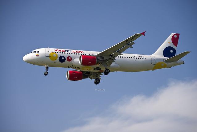 VivaAir Airbus A320-214 (HK-5223-X) © ©