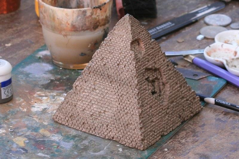 [Décors Aquarium] Une pyramide 39662159732_01b2126bac_c