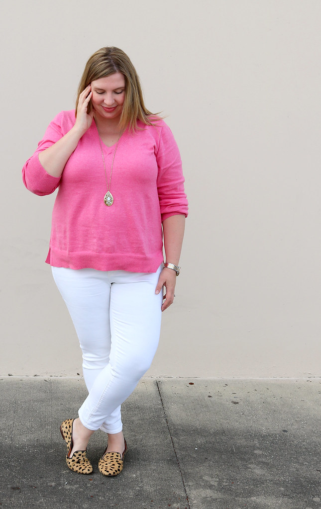 pink sweater, white jeans and leopard loafers 3