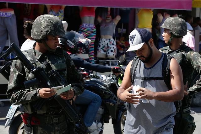 Intervenção: o que já mudou no cotidiano das favelas do Rio