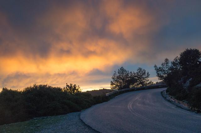 Διπλό ουράνιο τόξο & ηλιοβασίλεμα στην Ψίνθο (22/02/2018)