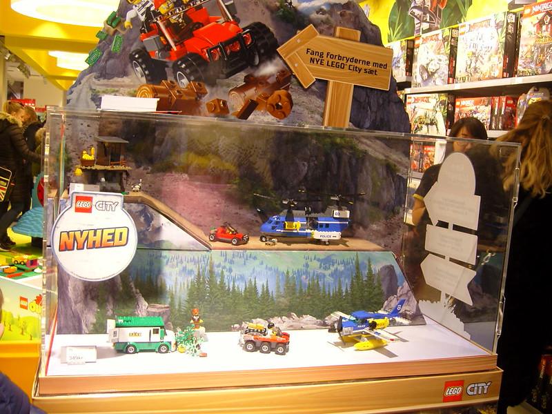 Επίσκεψη στο official Lego Store Copenhagen! 28008514139_e411aa4071_c