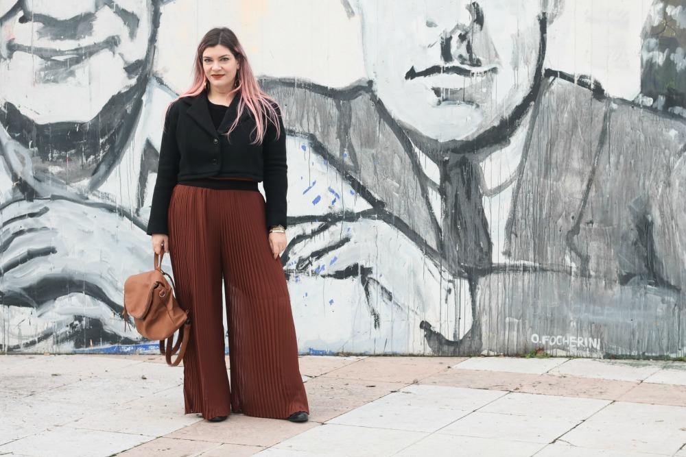 Outfit_plus_size_curvy_pantaloni_palazzo_elvi_cappotto_handmade_Franco (8)