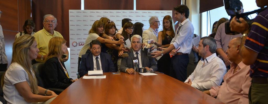 "San Juan: Lanzaron canasta escolar de ""Precios Acordados"""
