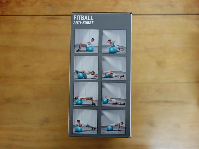 包裝上示範多種使用瑜珈球做的運動@迪卡儂DOMYOS防爆瑜珈球