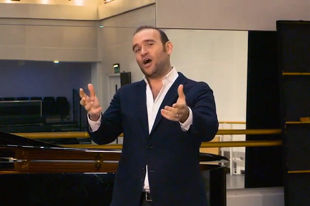 Michael Fabiano singing 'La donna è mobile' from Verdi's Rigoletto as part of a Royal Opera House Facebook Live © 2018 ROH