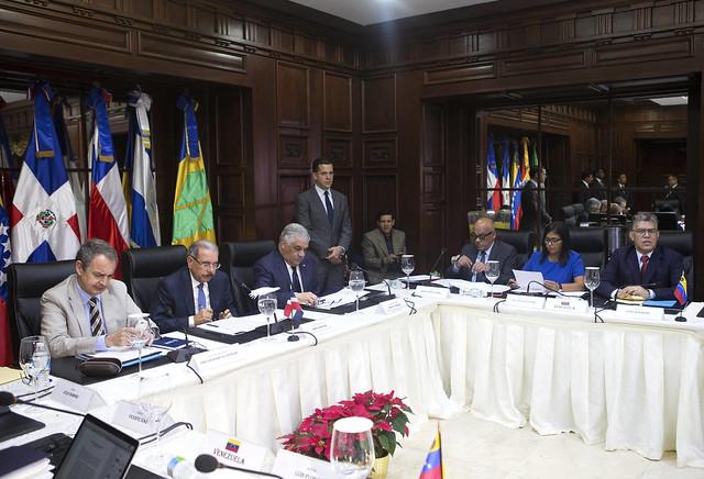 Oposição venezuelana não quer adiantar eleições presidenciais, diz Maduro