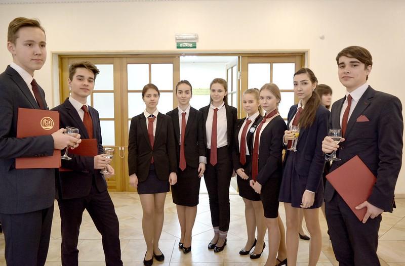 Церемония посвящения в юные дипломаты