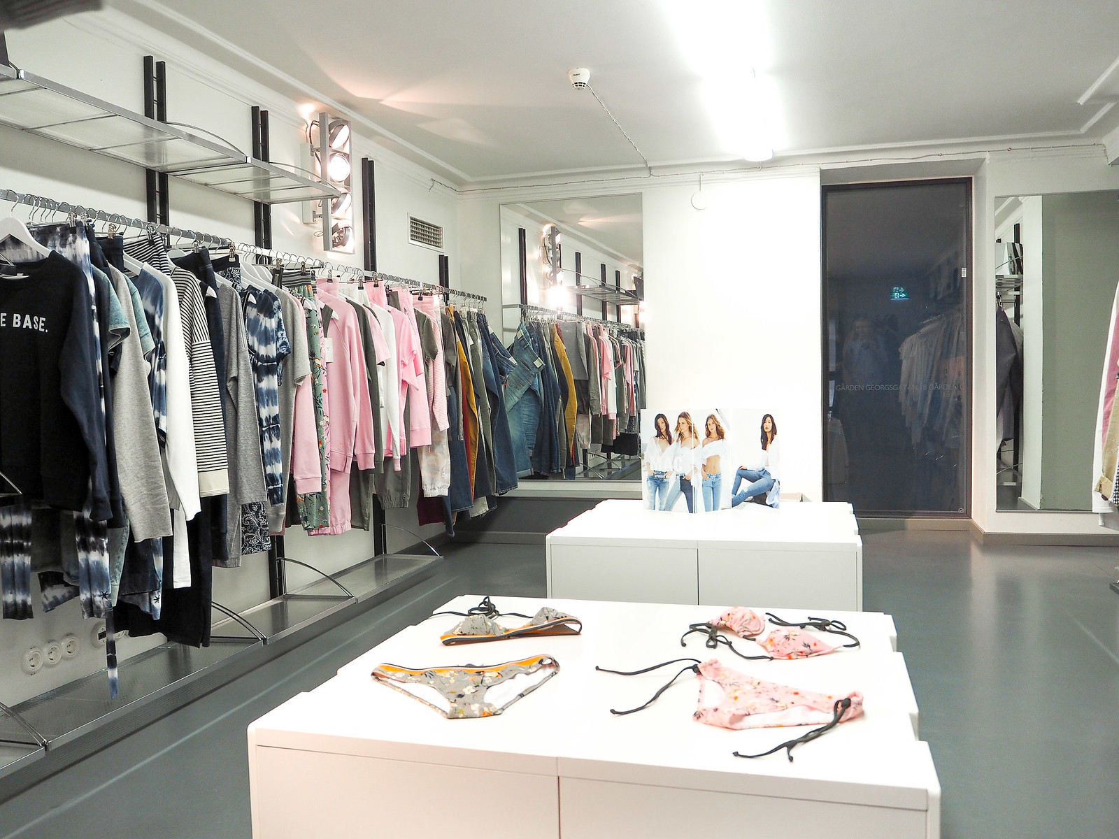 Trendeal pr showroom