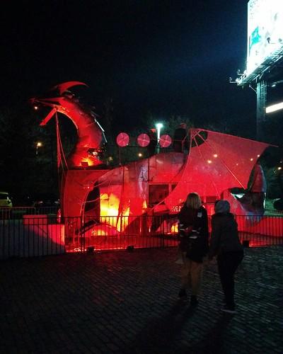 Heavy Meta #toronto #distillerydistrict #tolightfest #heavymeta #dragon #latergram