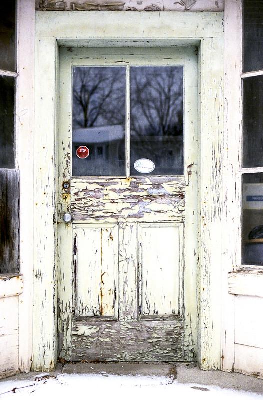 Peeling Door_