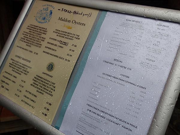 menu sous la pluie