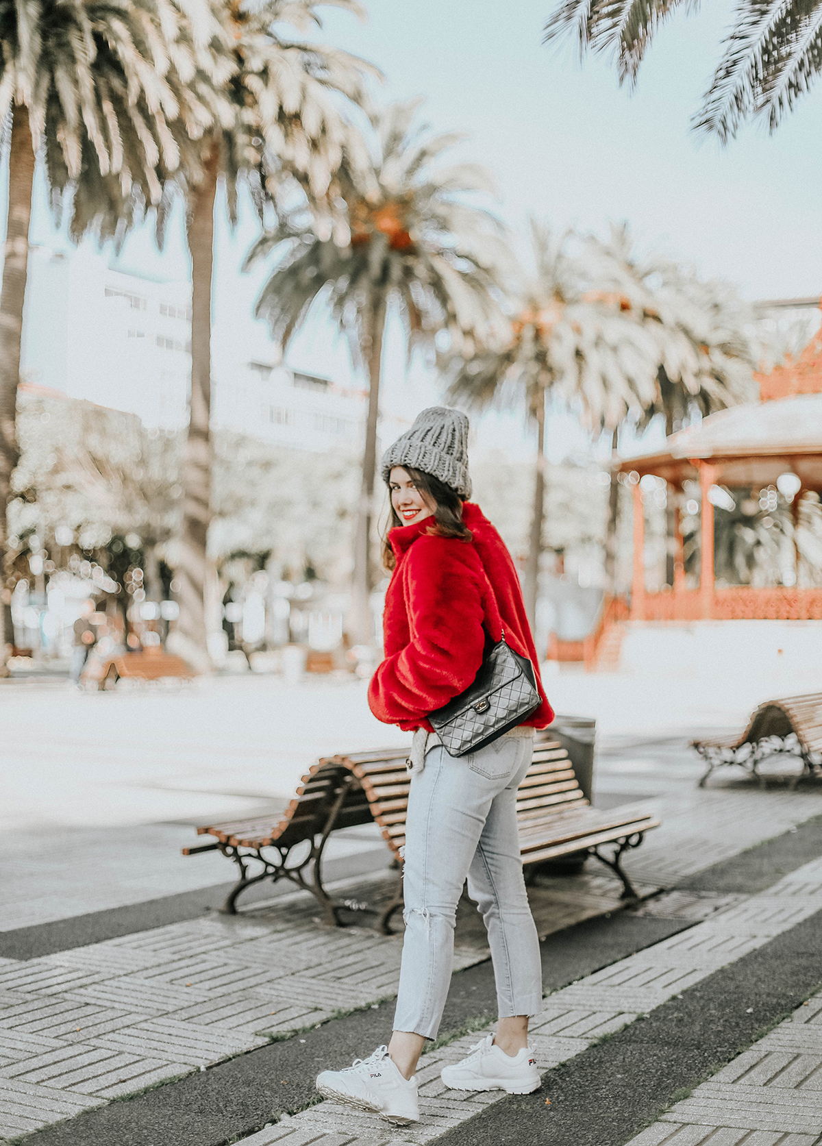 abrigo-pelo-rojo-levis-skinny-501-look-streetstyle-myblueberrynightsblog3