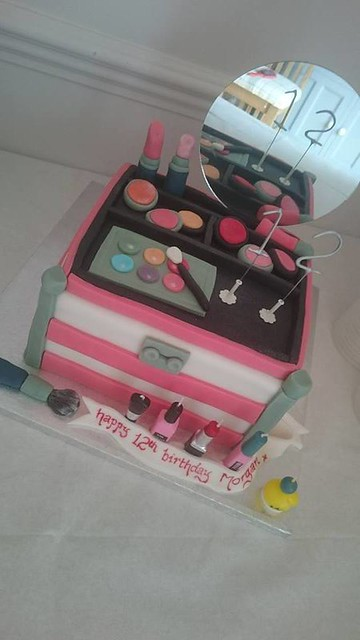 Makeup Kit Cake by Piper's Cakes