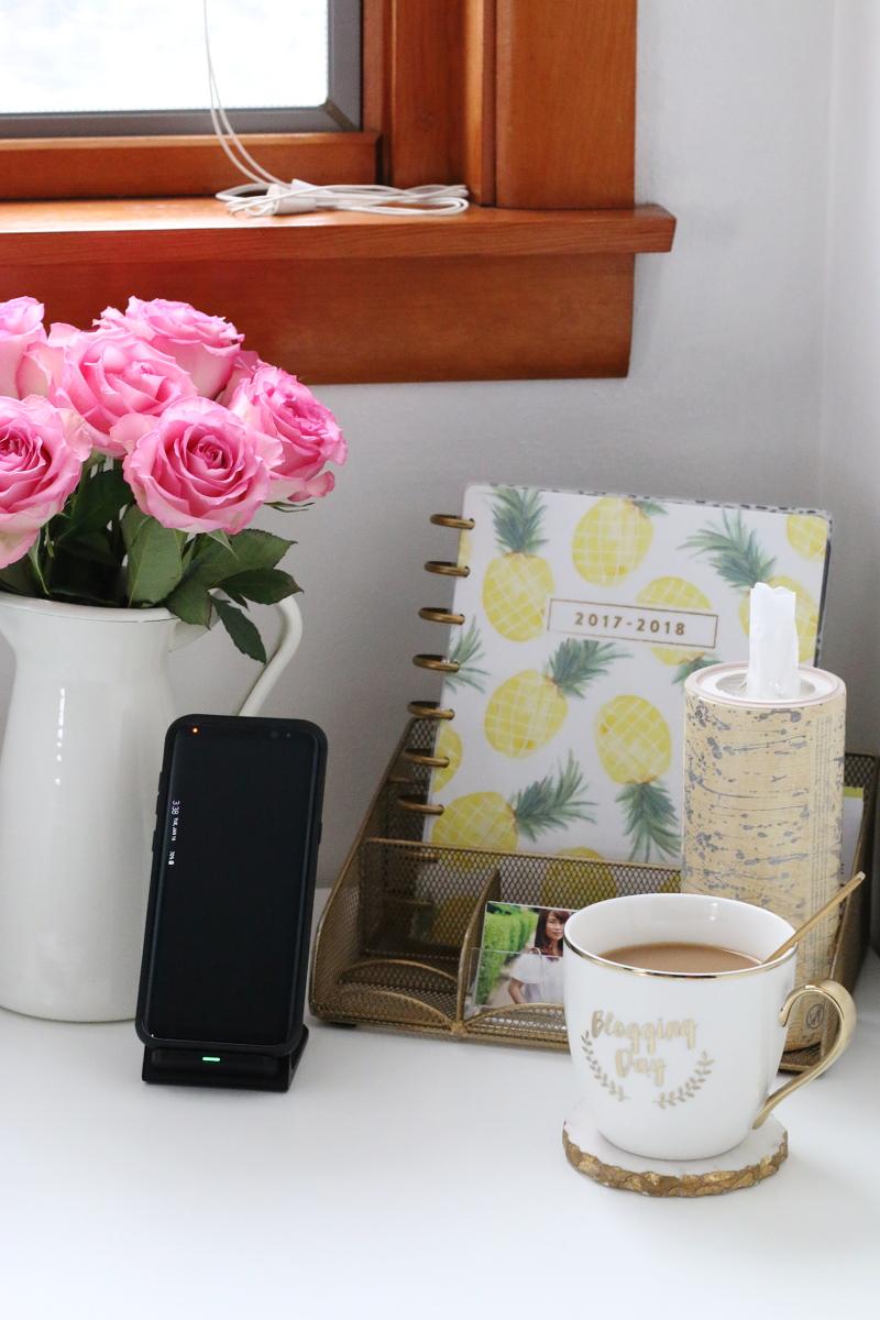 desk-planner-phone-coffee-blogging-day-6