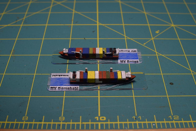 1/2400 scale container ships