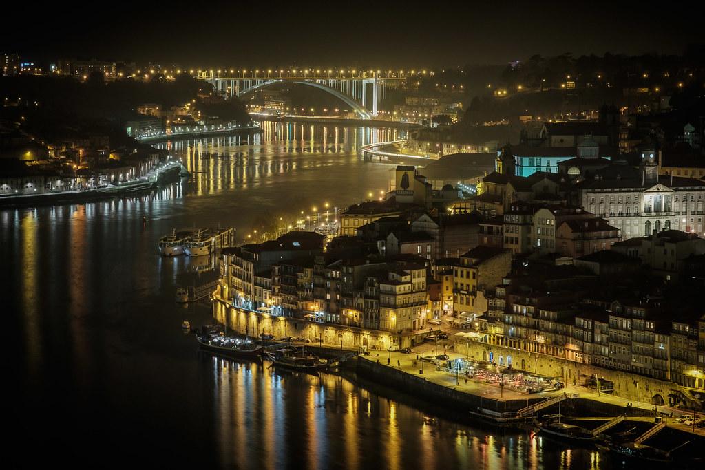 Porto by night II