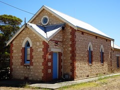 Coonalpyn. The Coonalpyn Congregational Church built in local limestone in 1927. Congregational services began in 1907 in the old institute.