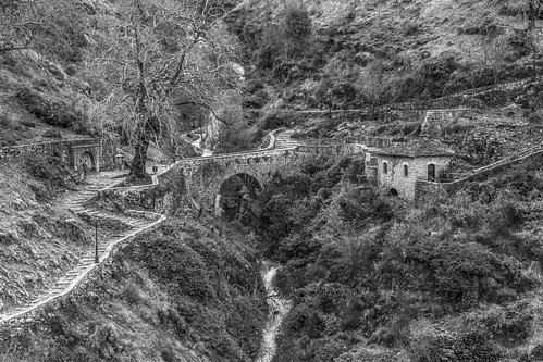 sirrako pindos greece tzoumerka τζουμέρκα πίνδοσ ελλάδα συρράκο stone bridge πέτρινο γεφύρι