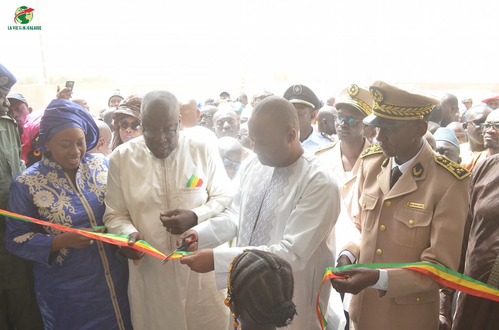 Inauguration d'infrastructures  de base à Mbakhna Par la Fondation SONATEL (37)