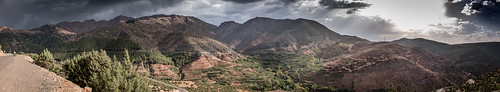 sonydscrx1rm2 berge dusk landscape landschaftterrain mountains nature panorama panoramic sonnenuntergang sunset travel abenddämmerung morocco north africa atlasmountains cultivated africalandscape