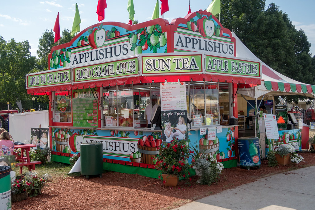 Applishus Booth at Iowa State Fair