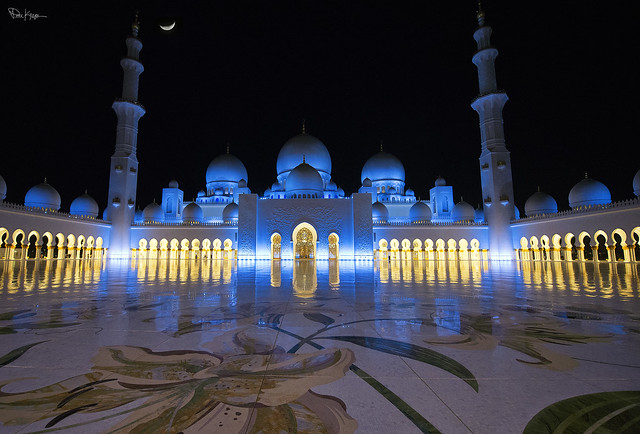 The Grand Mosque of Abu Dhabi attaches special symbolic importance to Light.