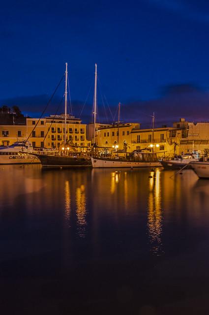 Scorcio notturno porto d'Ischia