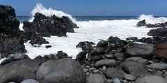 la lave et l'océan sur les rives de la réunion