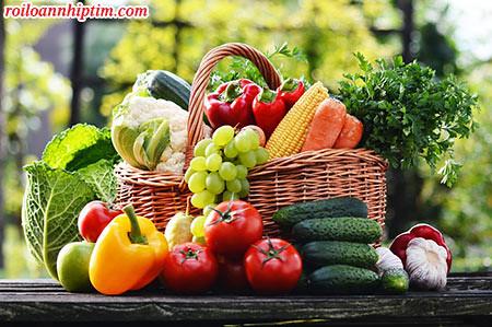 Người bị tim đập nhanh nên ăn nhiều rau xanh và trái cây