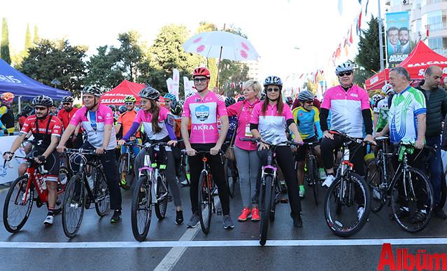 Antalya Büyükşehir Belediyesi Başkanı Menderes Türel farkındalık için bisiklet sürdü -2