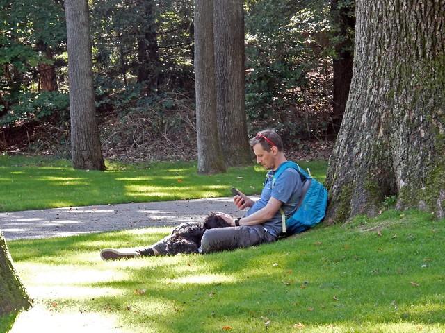 Man dog mobile, Nikon COOLPIX S9700