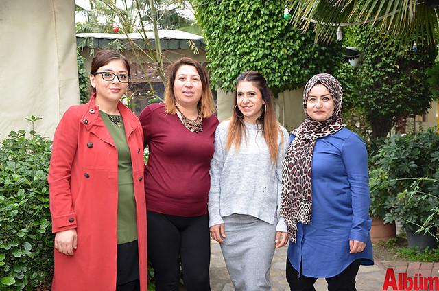 'Akdeniz'de Kadınlar El Ele Alanya Reklam ve Dayanışma Grubu' kurucusu Emine Makam ve grup yöneticileri