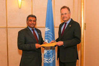 NEW PERMANENT OBSERVER OF THE AFRICAN UNION PRESENTS LETTER OF NOMINATION TO THE DIRECTOR-GENERAL OF THE UNITED NATIONS OFFICE AT GENEVA