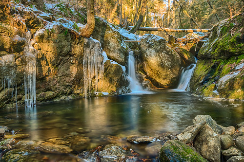 connecticut hdr naugatuckstateforest nikon nikond5300 sprucebrook sprucebrookfalls brook cold creek geotagged ice icicles longexposure morning nature park ravine reflection reflections river rocks snow stream tree trees water waterfall winter beaconfalls unitedstates