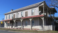 Old Hotel (La Coste, Texas)