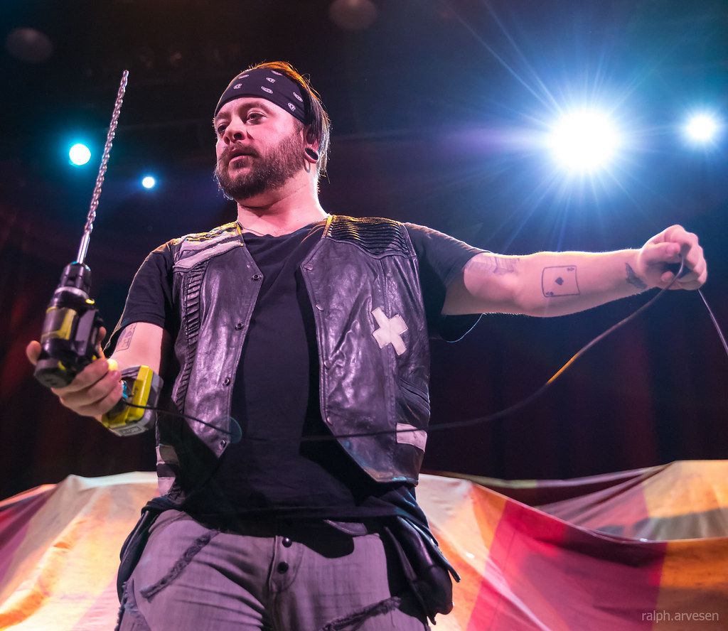 Hellzapoppin Circus Sideshow (Texas Review)