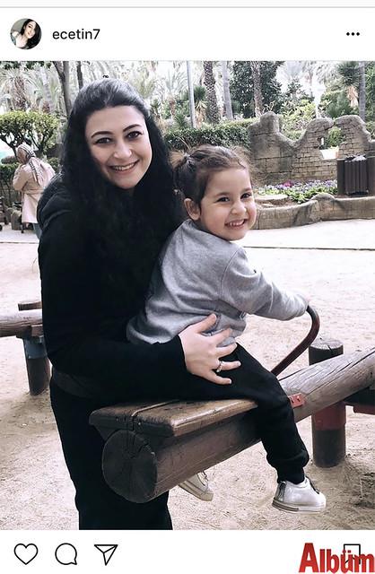 Psikolog Esra Çetin, yeğeni Bade Boz ile birlikte eğlenceli bir pazar geçirdi.