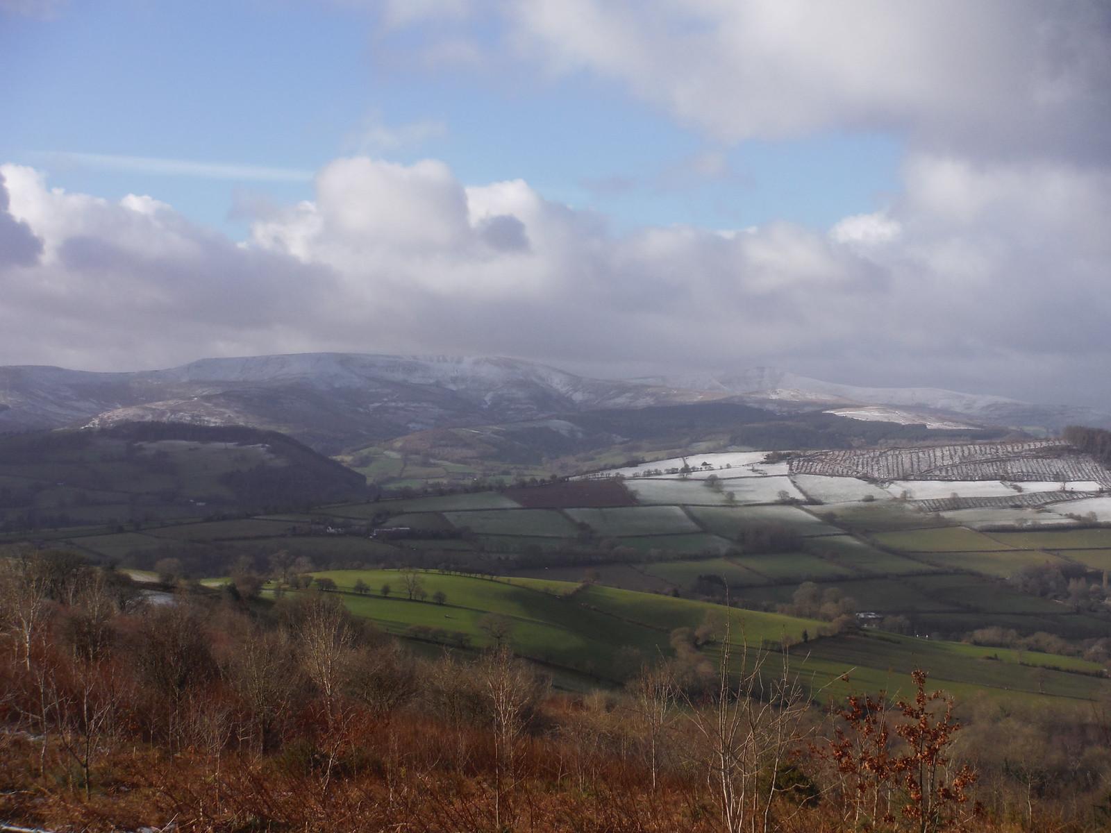 Waun Rydd, Cribyn and Pen y Fan SWC Walk 308 - Bwlch Circular (via Mynydd Troed and Llangorse Lake)