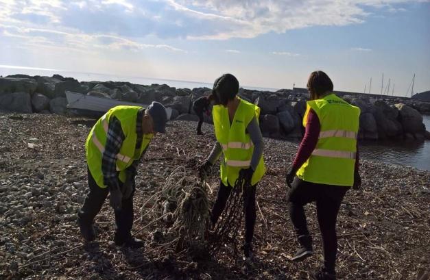 Associazione Fare Verde - Il mare d'inverno raccolta rifiuti