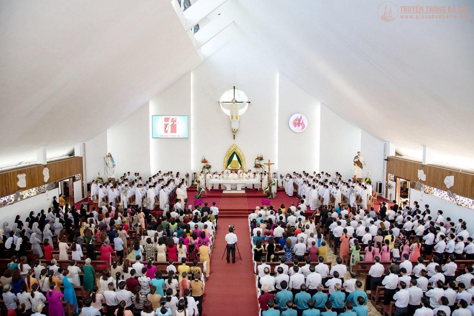 Thánh lễ truyền chức Phó tế – Gp Bà Rịa - Ảnh minh hoạ 15
