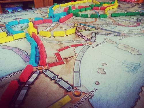 Tarde post media maratón con juegos de mesa para viajar por Europa en tren. #juegosdemesa #domingo #aventurerosaltren